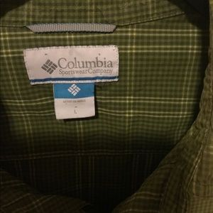 Columbia green plaid men's button down shirt